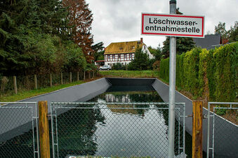 Feuerwehr kommt in Auerschütz wieder an Wasser