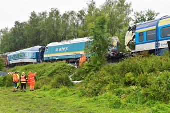 Schwierige Bergung nach Zugunglück in Tschechien