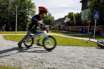 Ab geht die Post im Kinder-Verkehrsgarten