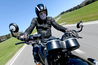 Lebensretter Motorradkombi