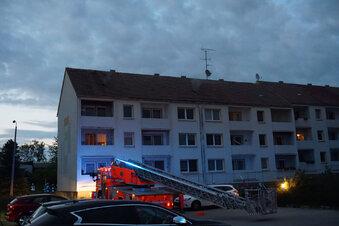 Feuer in Wohnblock offenbar gelegt