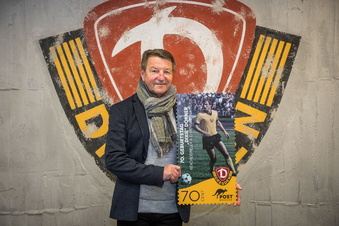 Sonderbriefmarke für Dynamo-Legende