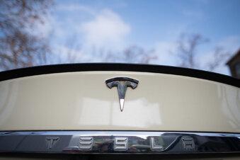 Zwei Tote bei Unfall mit fahrerlosem Tesla