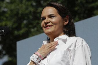 Tichanowskaja fordert friedliche Aktionen