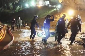 Marinetaucher stirbt nach Höhlenrettung