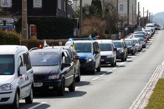 160 Fahrzeuge bei Anti-Corona-Autokorsos