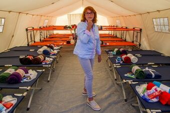 721 Flüchtlinge leben jetzt in der Zeltstadt