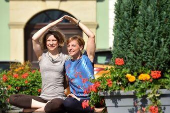 Yoga für alle auf dem Löbauer Altmarkt