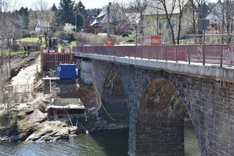 Neue Fachwerkbrücke an der Malter