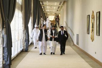 USA und Taliban unterzeichnen Abkommen