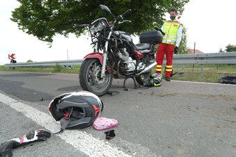 Kind bei Motorrad-Unfall schwer verletzt