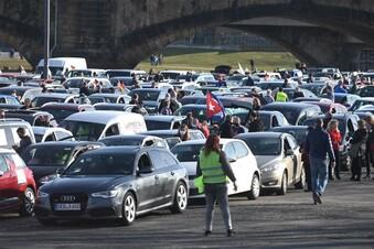 Mehrere Straftaten bei Autokorso in Dresden