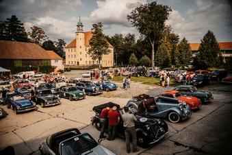 Viele Oldtimer: DDV-Rallye führt durch die Oberlausitz