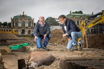 Rätsel um Findling im Dresdner Zwingerhof