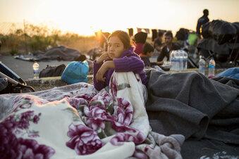 Zehn Staaten nehmen Kinder aus Moria auf