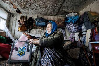 Beteiligung bei ukrainischer Kommunalwahl unter 50 Prozent