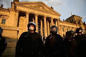 Nur drei Polizisten verteidigten Reichstag