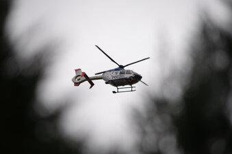 Polizei fliegt Grenze mit Hubschraubern ab
