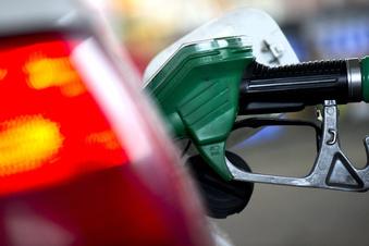Heizöl und Sprit deutlich billiger