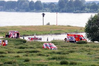 Zwei Mädchen nach Bad im Rhein vermisst
