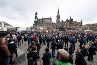 """Dresden verbietet """"Querdenken""""-Demos"""