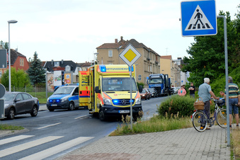 Schwerer Unfall blockt Verkehr in Meißen