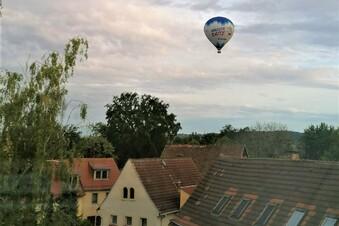 Wenn der Heißluft-Ballon im Wohngebiet landet