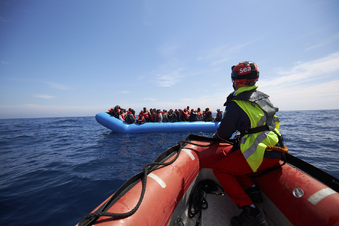 Für Seenotretter ist kaum Land in Sicht