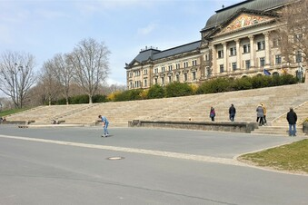 Riesen-Dynamo-Graffiti in Dresden ist weg