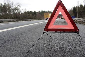 A4: Opel wird bei Unfall komplett zerstört