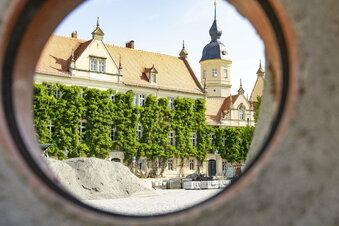 Riesas Rathaus bleibt offen