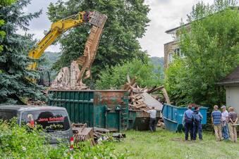 Polizei stoppt weiteren Abriss von historischer Villa