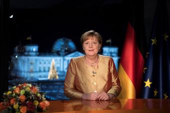 Letzte Neujahrsrede: Merkel ruft zum Durchhalten auf