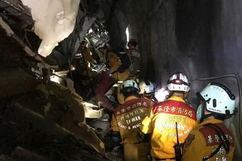 Viele Tote bei Zugunglück in Taiwan