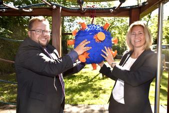 Spenden-Piñata für krebskranke Kinder