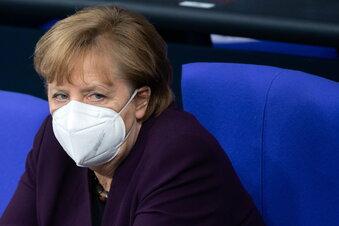 Merkel verteidigt Impfstrategie