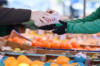 Handschuhe schützen kaum vor Corona