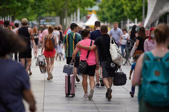 Sachsen halten sich beim Einkaufen zurück