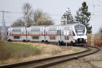 Dulig tauft den Dresden-Rostock-Zug