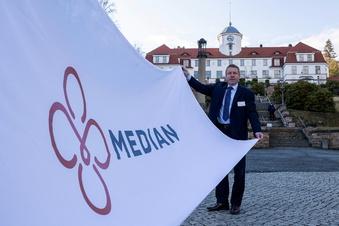 Klinik Gottleuba: Neue Fahnen, alte Sorgen