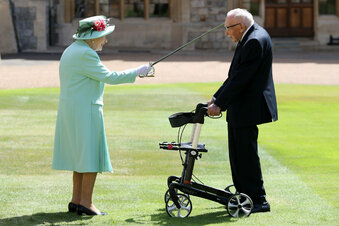 100-Jähriger ist jetzt Ritter