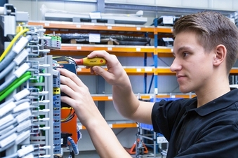 Ausbildung zum Mechatroniker (m/w/d) bei der VON ARDENNE GmbH