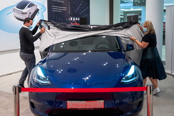 Tesla zeigt Model Y erstmals in Deutschland