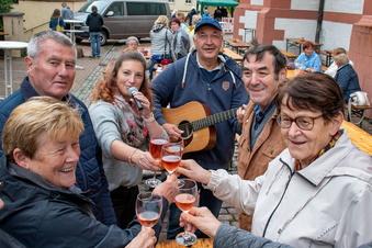 Weinfest-Besucher in Leisnig und Roßwein zeigen Durchhaltevermögen
