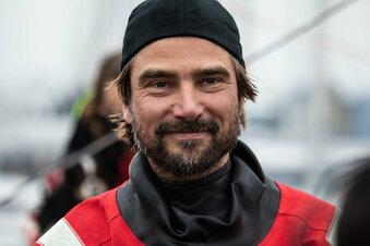 Segler Herrmann telefoniert mit Fischer