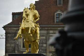 Goldener Reiter plötzlich ohne Schwert