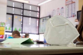 Corona: Erster Kreis in Sachsen schließt Schulen wieder