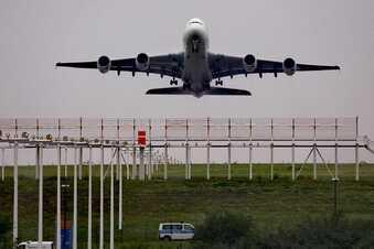 Airbus A380 startet in Dresden