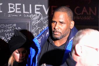 R. Kelly wegen sexuellen Missbrauchs angeklagt