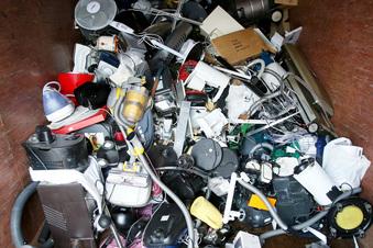Elektroschrott im Discounter abgeben